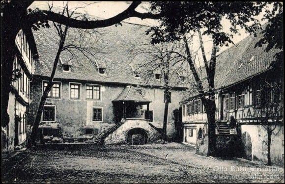 Kellereihof (Winery Yard)